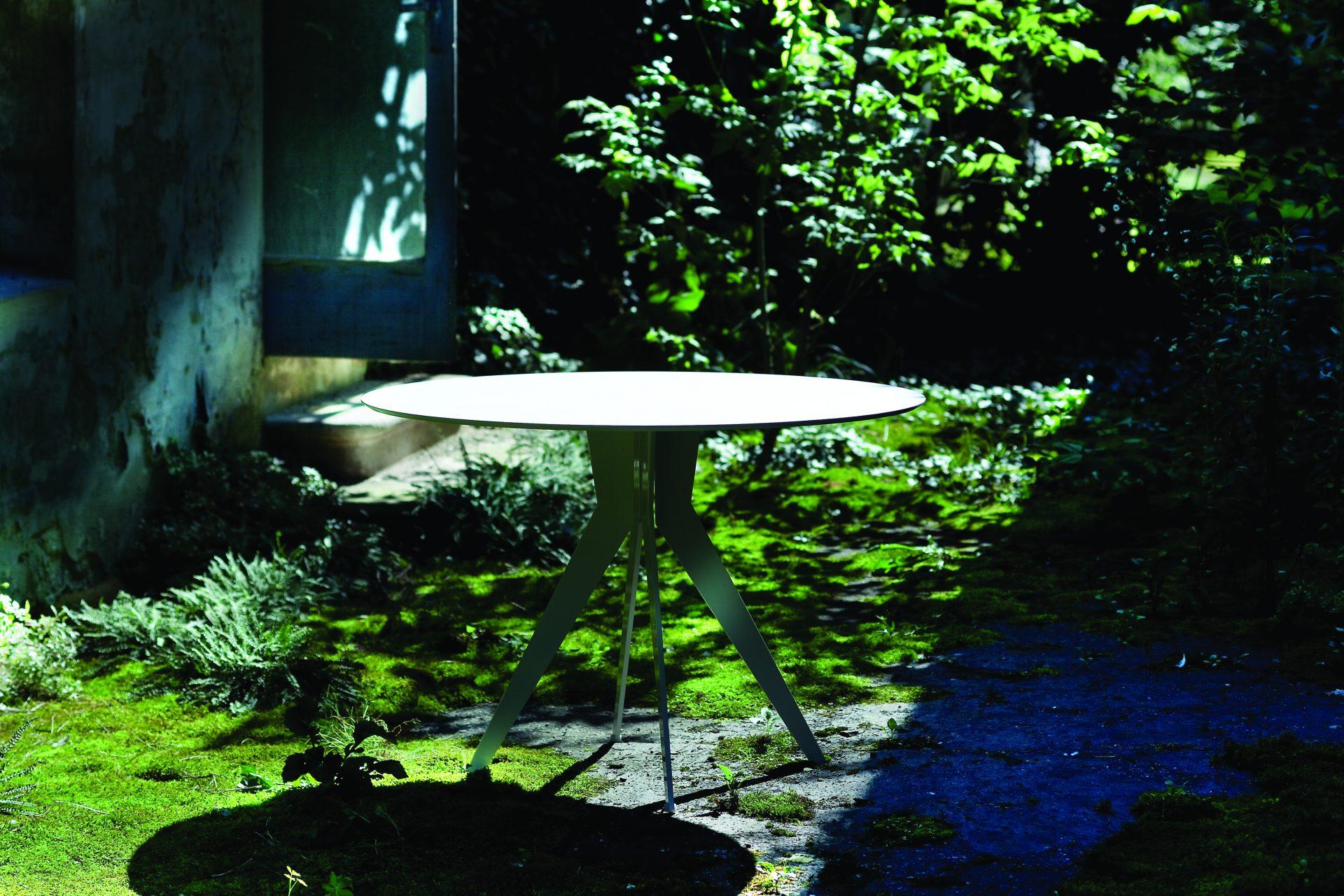 Outline - tavolo L'Abbate